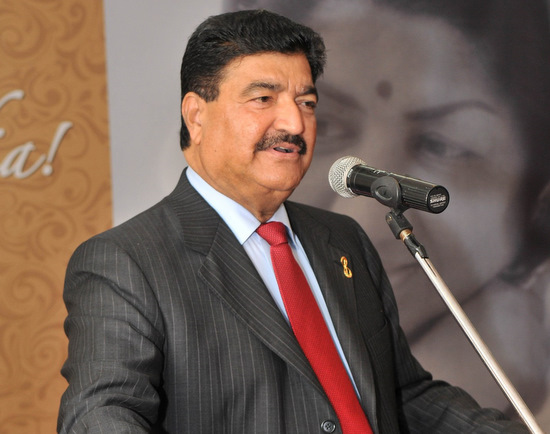 Dr. B. R. Shetty, CEO, NMC Group speaking at the function