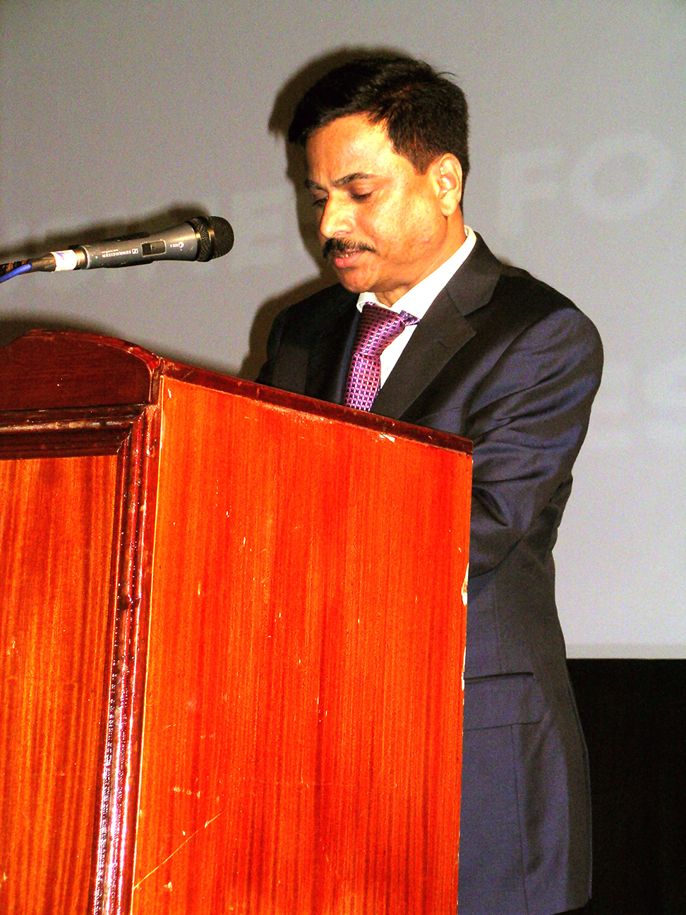 Dr. Manjrekar, SQC Chairman speaking at the function