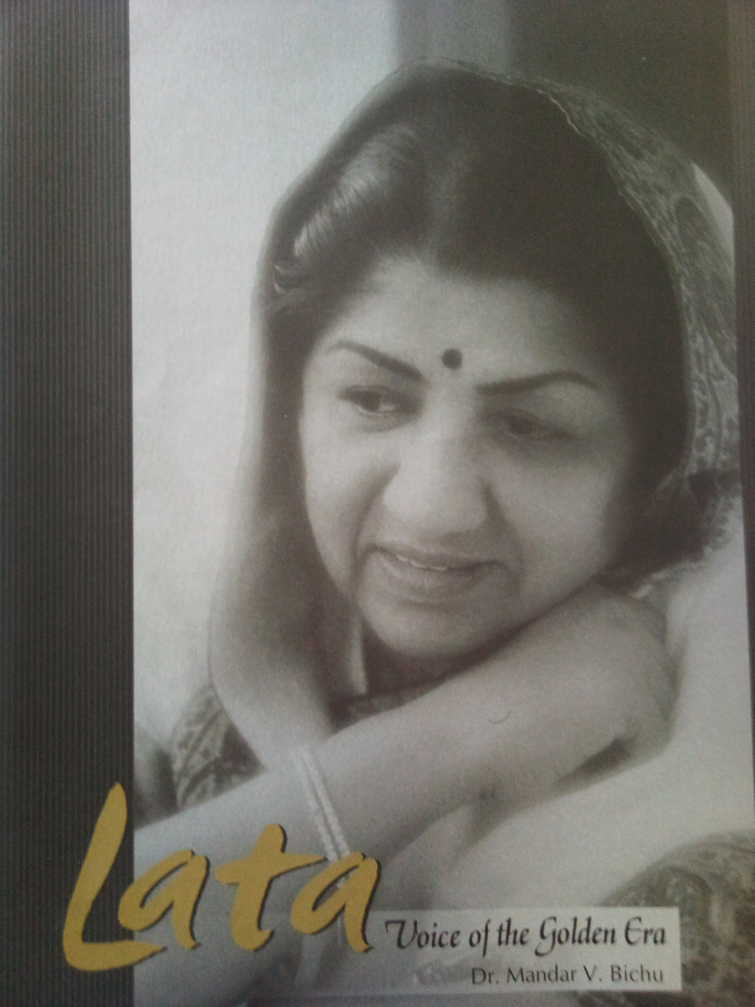 Lata - Voice of the golden era (E-book on Bookganga.Com)