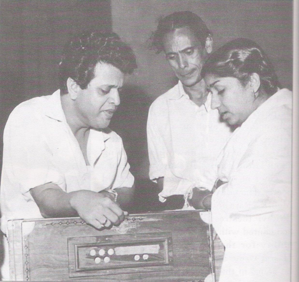 Jiya Beqarar Hai - With Hasrat and Jaikishan